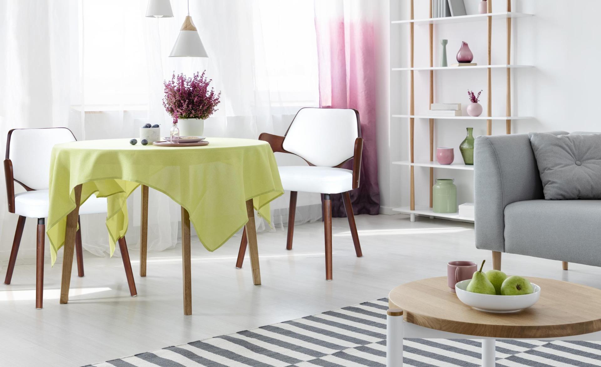 Set van 2 Scandinavische stoelen Dima Hout Hazelnoot en Wit