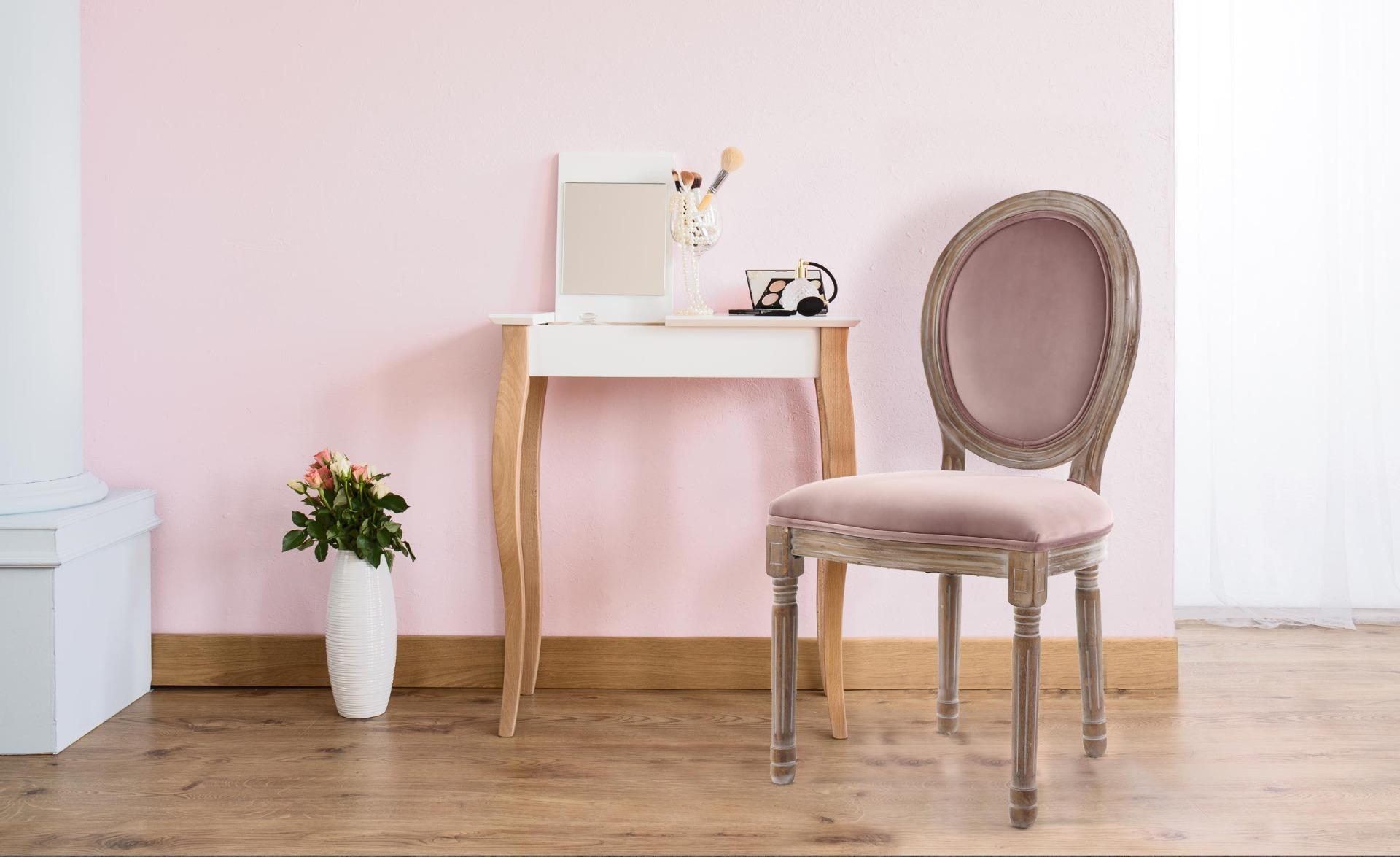 Lot van 2 Louis XVI stoelen, gepatineerd hout en roze fluweel