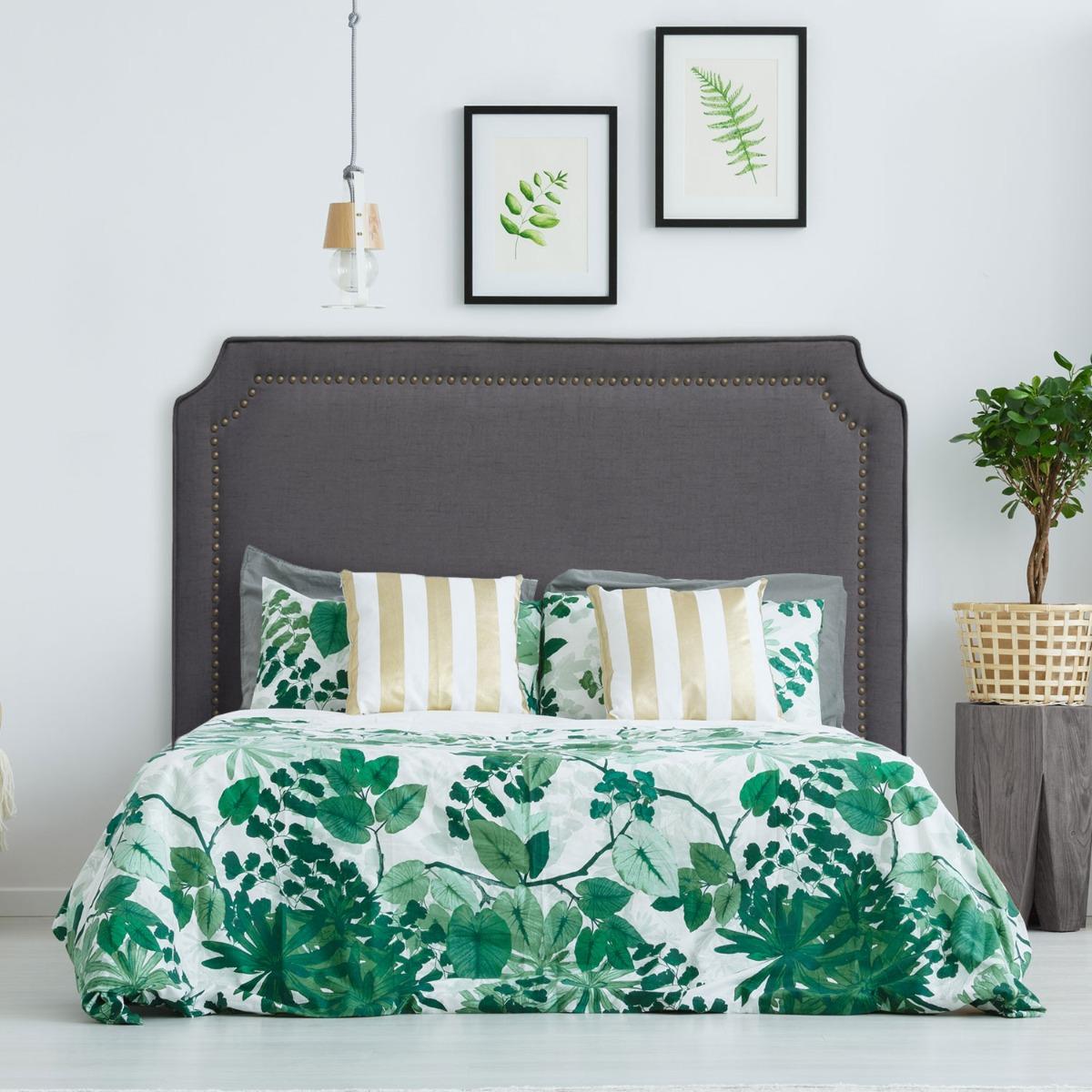 Tête de lit Milana 140cm Tissu Gris avec clous de tapissier
