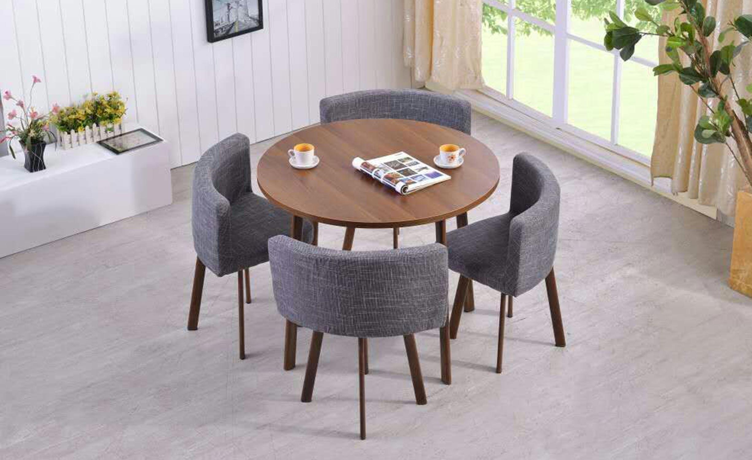 Riga ronde tafel en stoelen in donker eiken en grijze stof