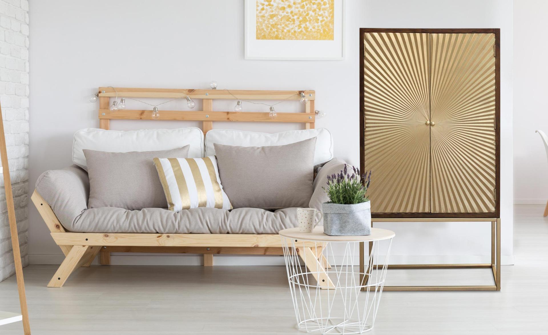 Solaris hoog dressoir met 2 houten en gouden deuren